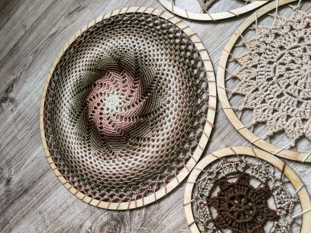 Rozety dekoracyjne makrama