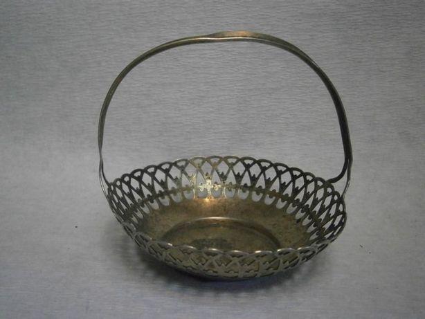Koszyczek srebrny sygn. śred. ok. 10 cm.