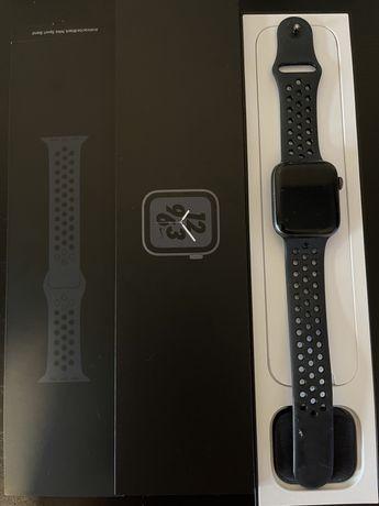 Apple watch series 4 44mm nike+