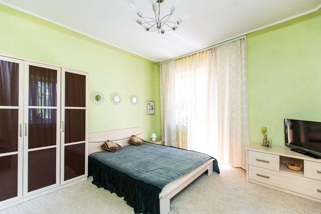 Гарна та затишна (до 7осіб) 2х кімн квартира