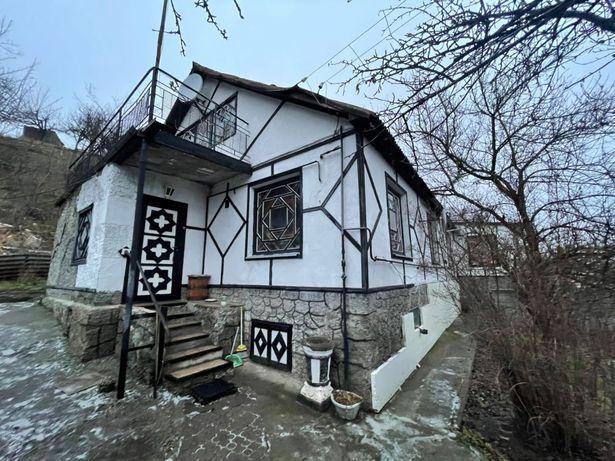 Продам 1/2часть дома в районе Лесковице