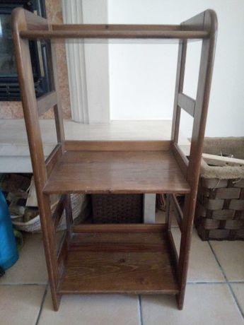 Móvel / estante em madeira
