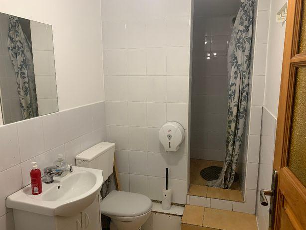 Hostel Miejsce w pokoju męskim 6-os. bardzo dobre warunki