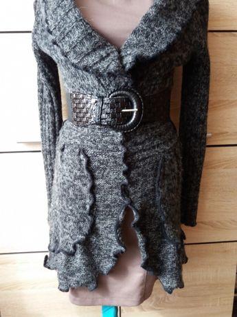 Sweterek długi,szary z paskiem