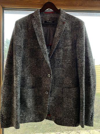 Продам мужской пиджак!