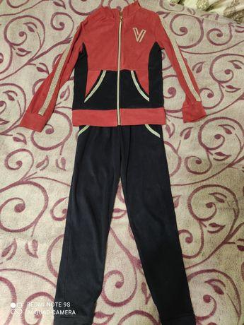 Спортивний костюм