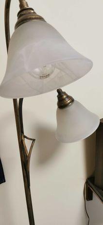 Lampa stojąca i żyrandol