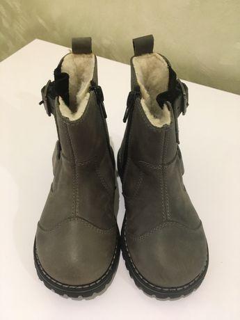 Новые ботинки на девочку