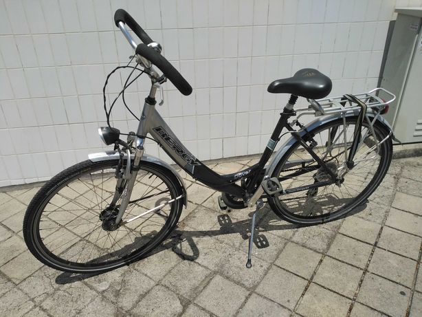 Bicicleta Bergy, com guiador borboleta, bom estado.