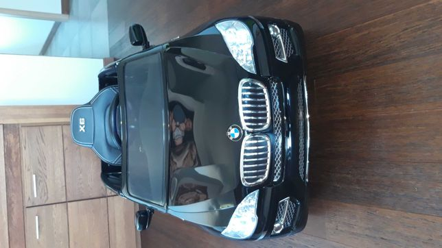 Samochód pojazd  elektryczny BMW X6