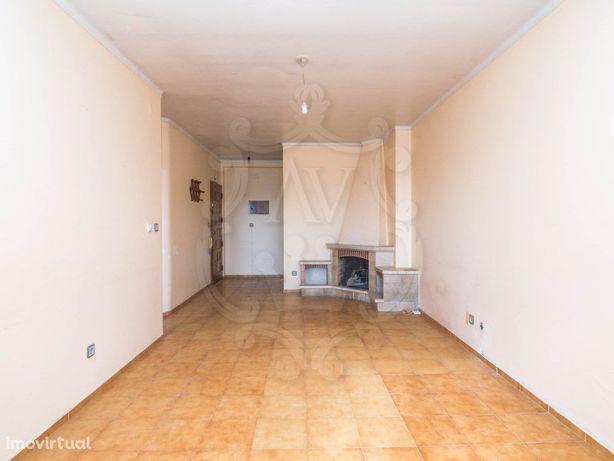 Apartamento T2 a um passo do centro da cidade da Marinha ...