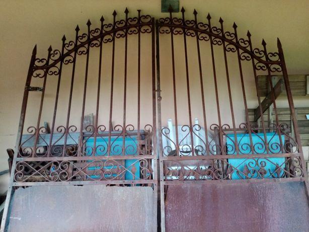 Portão em Ferro Forjado todo cravado, sem solda