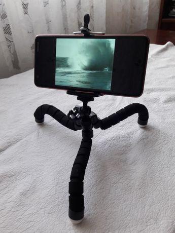 Продам штатив треногу держатель для телефона, фотоаппарата.