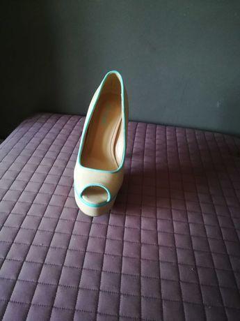 Sapatos Novos Bege