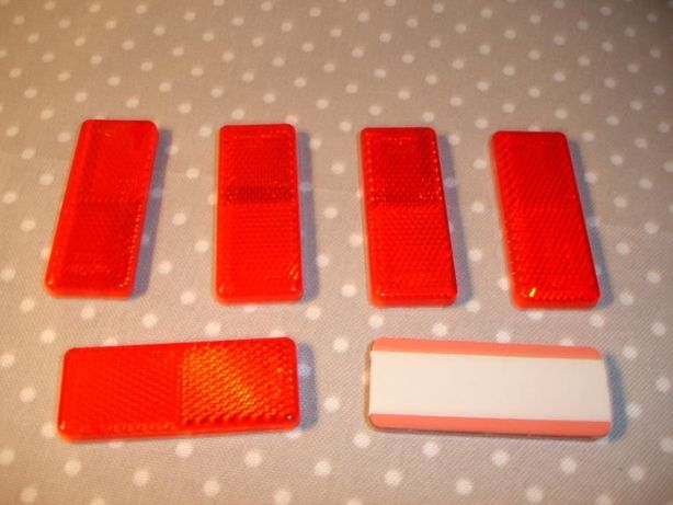Refletor vermelho e branco para reboques, motos, etc.