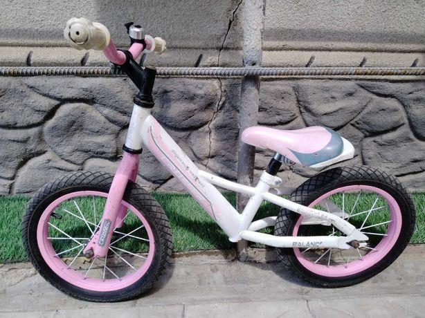 Продам велобег детский на лет 5-7