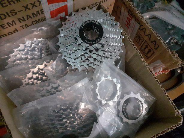Велосипедные кассеты звезды Crossride CS200 на 8ск.(11-28T). НОВЫЕ