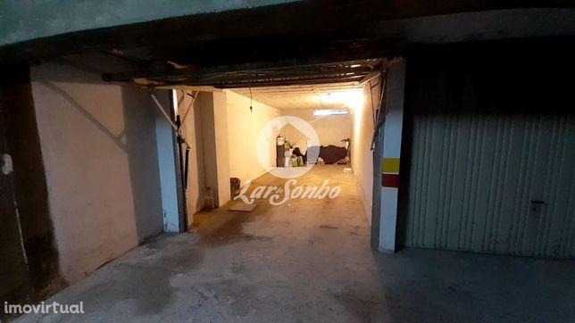 Garagem fechada em Barcelos