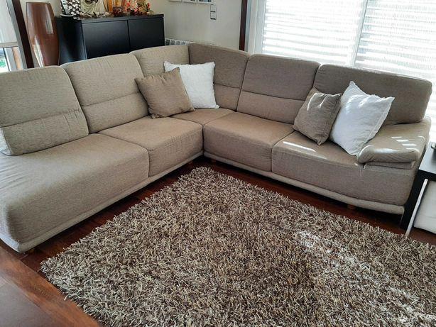 Conjunto sofá e cadeiras