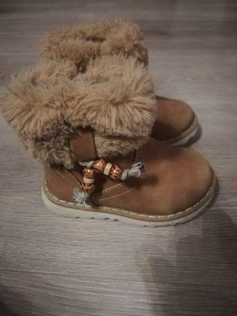 Buty zimowe dla dziewczynki rozmiar 21