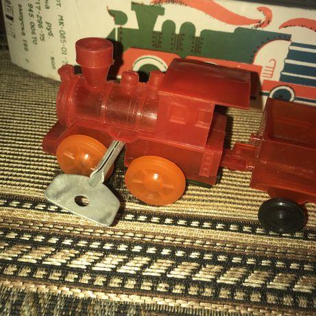 Игрушечный паровозик СССР