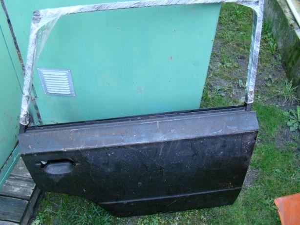 Задняя правая дверь ВАЗ 2102 (СССР)НОВАЯ очки под фары отличный сохран