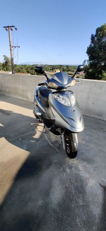 Scooter 125cc 3000km Reais