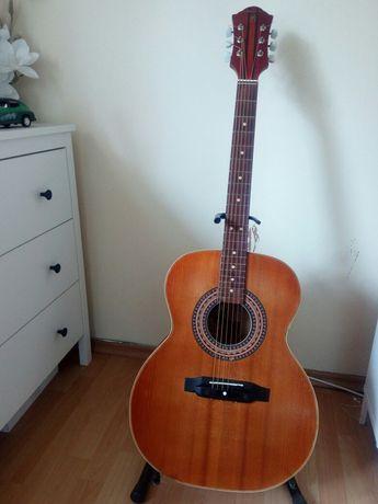 Gitara ,,Defil Jumbo akustyczna '.