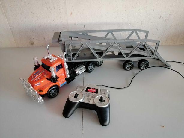 Camião transporte telecomandado