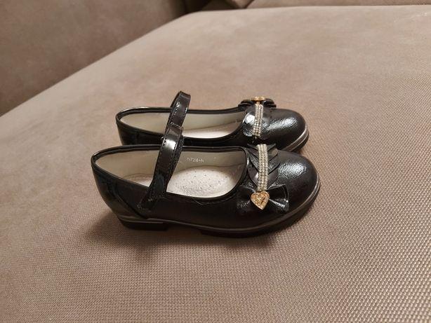 Туфельки черные 27размер