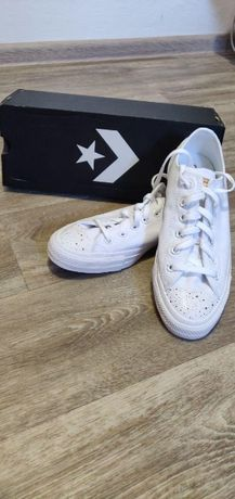 Продам новые белые кеды Converse (Оригинал)!