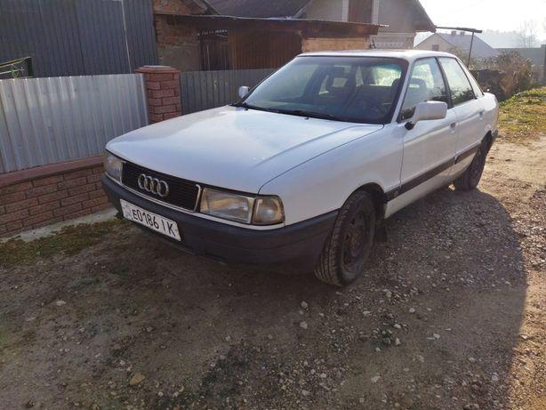 Audi 80 1.8 бензин