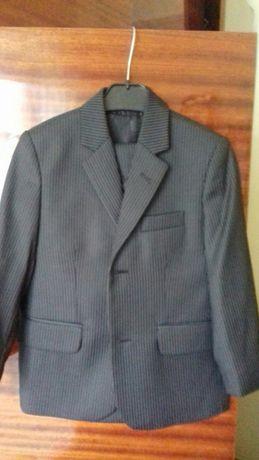 Школьный костюм ,рост 110 ,новый.
