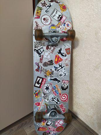 Трюковой скейтборд