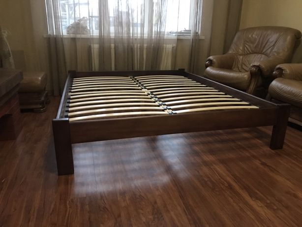 Деревянная кровать под ортопедический матрас.