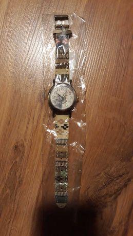 Nowy zegarek z kolorowym paskiem