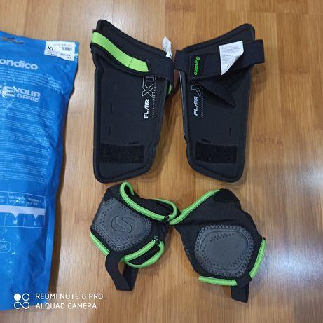 Щитки футбольные Sondico с защитой лодыжки размер L