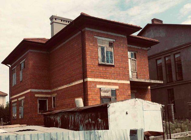 Дом из красного кирпича в  Совиньоне (218)