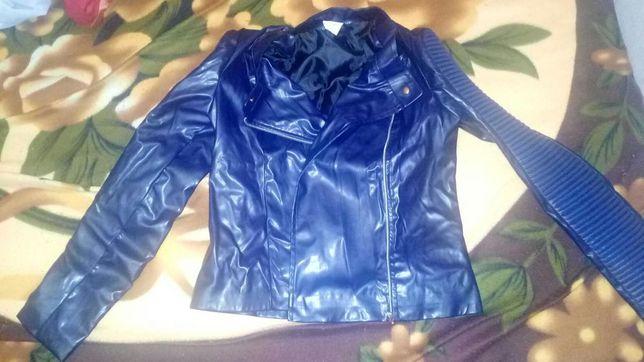 Продам новую кожаную курточку