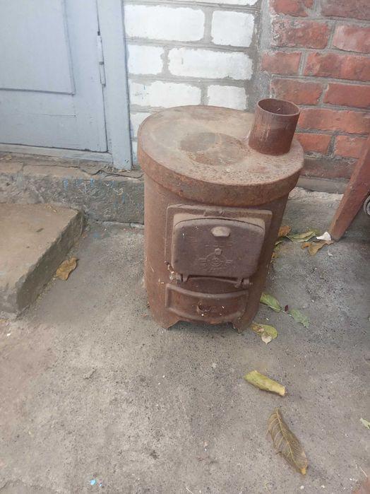 Продается чугунная печь-буржуйка, самовывоз Артемовск - изображение 1