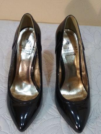 Новые нарядные туфли от valentin yudashkin размер 37, 37.5