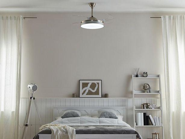 Ventoinha de teto com luz em prateado IBAR - Beliani