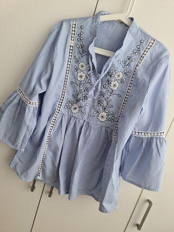 Koszula błękitna z haftem
