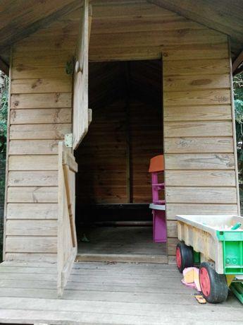 Drewniany duży domek na drzewo ogrodowy dzieci