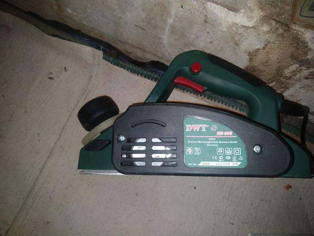 Електрорубанок DWT HB-650