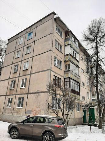 Продам 2 комнатную квартиру на Металлургов 3 этаж