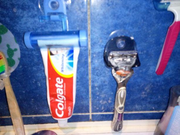 Оригінальні засоби для ванної для станка та зубної пасти