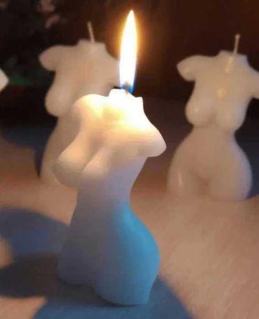 Парафиновая свеча. Высота 9,5 см. Свеча в виде женской фигурки
