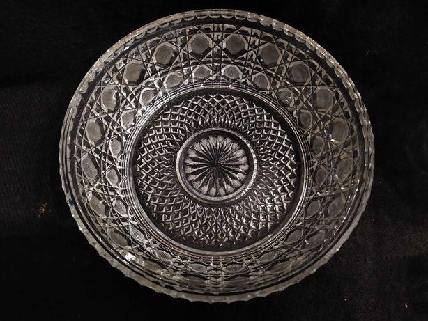 Kryształy, szkło kryształowe wazony misy cukiernica