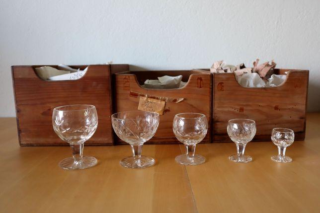 Conjunto de copos de cristal